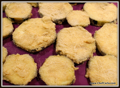 Dry drained eggplants with paper towel, dip in eggwhite, cover in breadcrumbs and bake for 30mins.